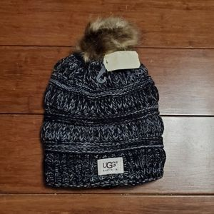 NWT UGG Womens Fuzzy Winter Hat